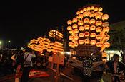 幻想的な雰囲気に包まれる宵祭